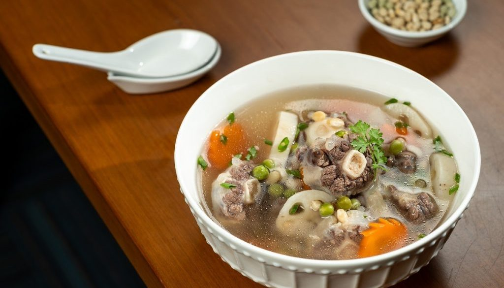 oxtail soup with u.s. navy beans, u.s. whole green peas and lotus root