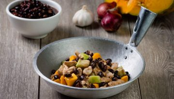 Vegetables with Chicken and U.S. Black Beans
